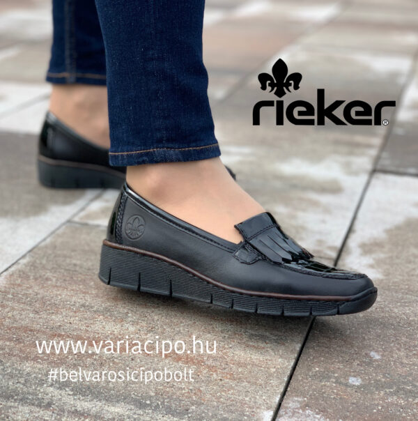 Rieker női félcipő emelt sarkon, könnyű, rugalmas talpon. 53764-00 fekete